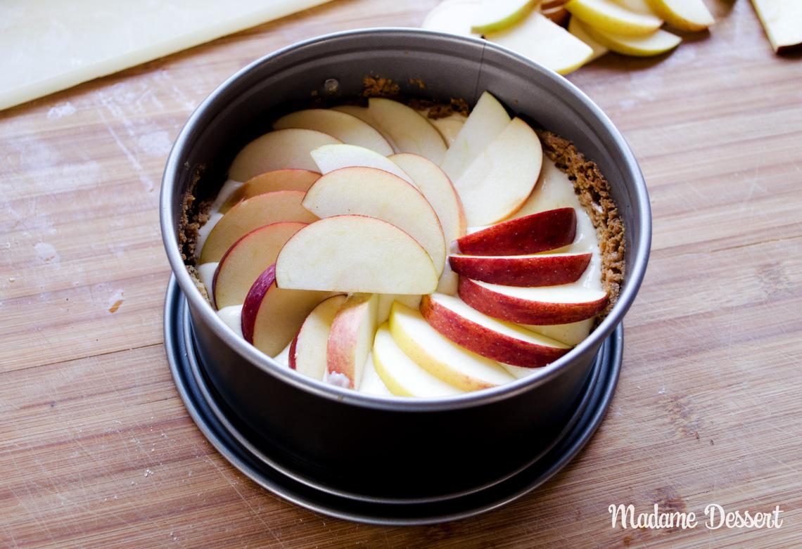 Apfelkuchen mit Karamellsauce und Walnüssen | Madame Dessert