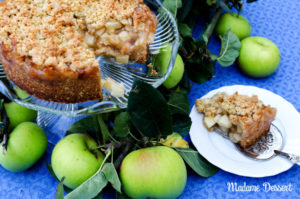 Crunchy Crumble Apple Pie | Madame Dessert
