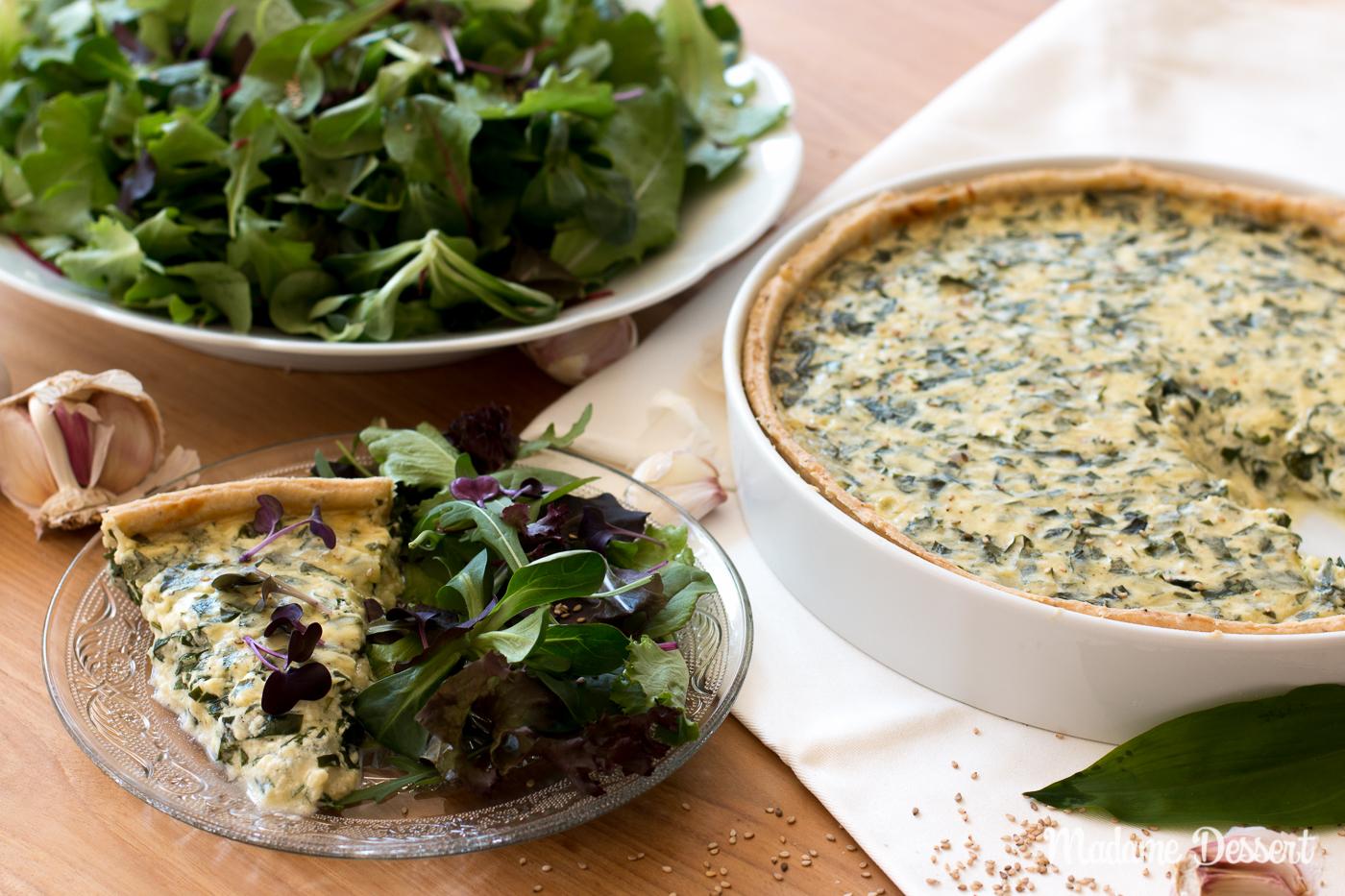 Vegetarische Bärlauchtarte mit Wildkräutersalat | Madame Dessert