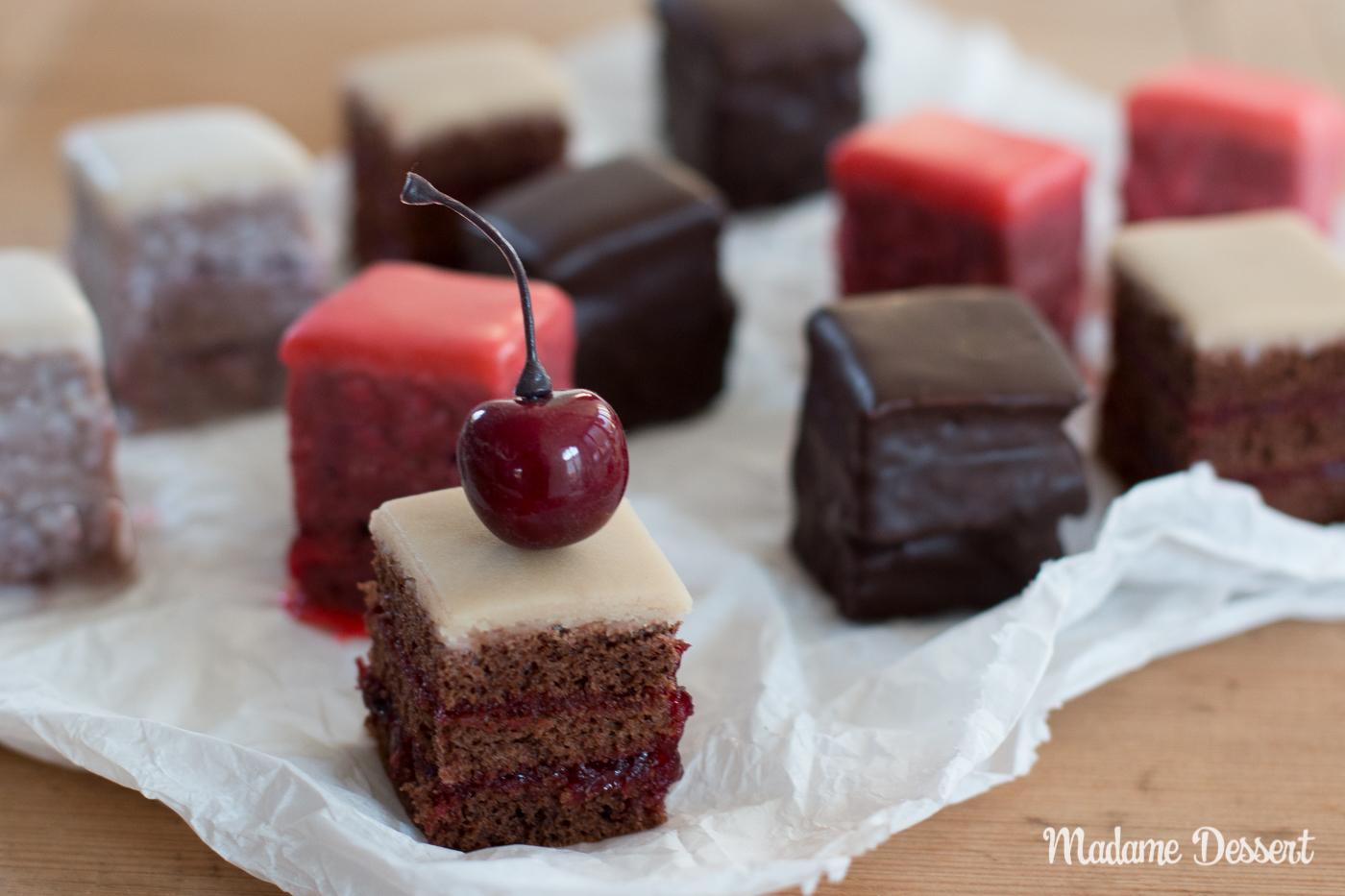 Schokoladen Petit Fours mit Sauerkirschen | Madame Dessert