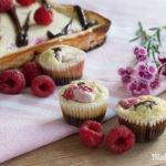 Rezept für fruchtigen Himbeer Cheesecake mit Brownieboden