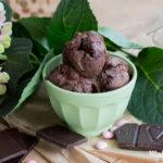 Verführerisches dunkles Schokoladeneis zum Selbermachen | ohne Eismaschine
