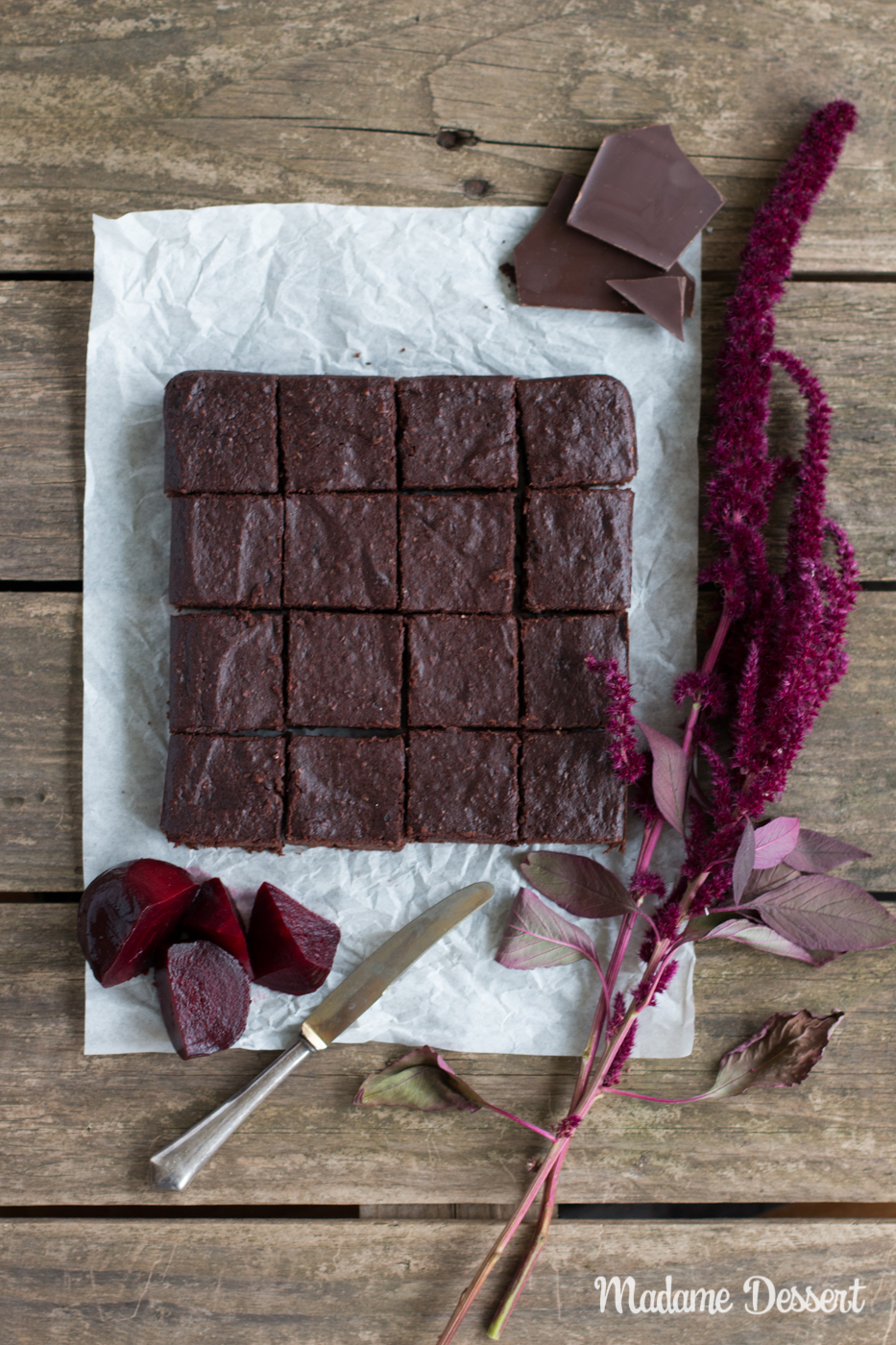 Gesunde Schokoladen Brownies mit roter Bete | Madame Dessert