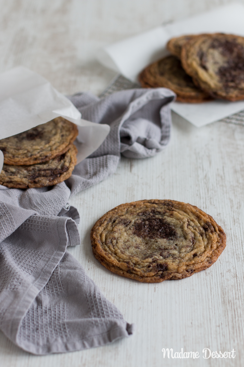 Crispy Crinkled Chocolate Chip Cookies | Madame Dessert