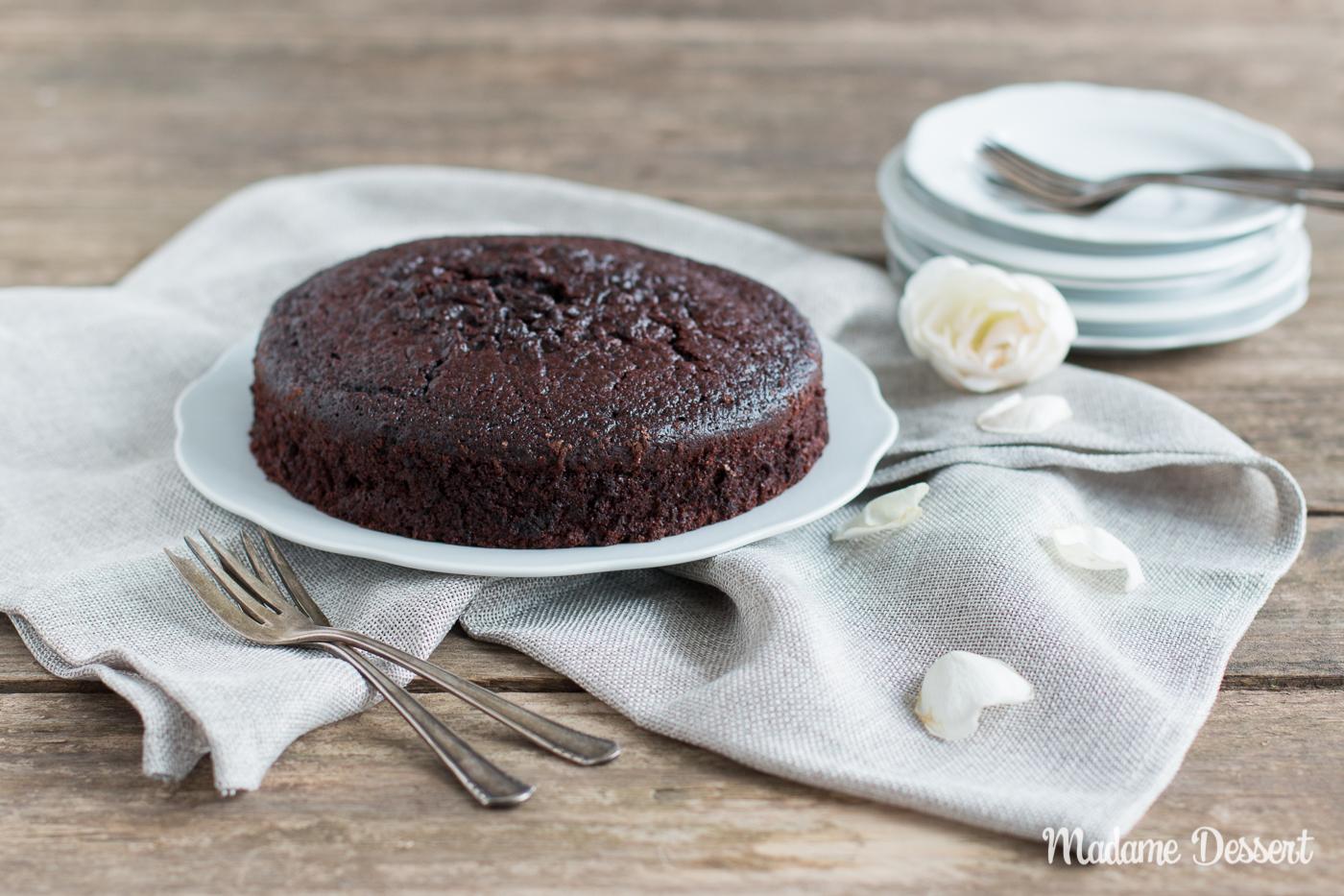 Super saftiger Schokoladenkuchen mit Buttermilch   Madame Dessert